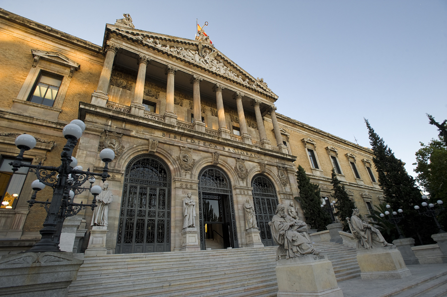 Fachada Biblioteca Nacional España- web BNE- 09072013