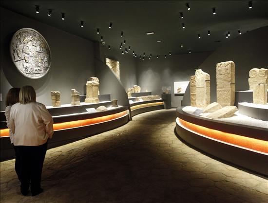 Cantabria exhibe su riqueza patrimonial en el nuevo Museo de Prehistoria y Ar...