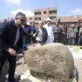 Halladas dos estatuas faraónicas en un popular barrio de El Cairo