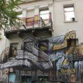 Las calles de Atenas se llenan de grafitis en los que se expresa el descontento de la juventud griega
