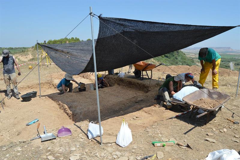 Excavación arqueológica en una necrópolis visigoda en Sena (Huesca).Instituto de Estudios e Investigación de Los Monegros.