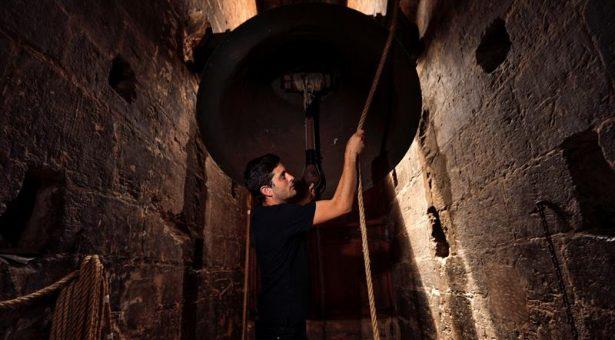 Los campaneros: Un fenómeno que aúna campanas muy viejas con gente muy joven