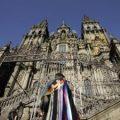 Aparece un grafiti en la catedral de Santiago