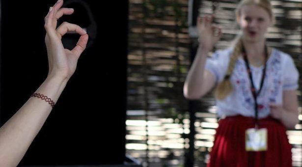 La lengua de signos y el toque de campanas ya son Patrimonio Cultural Inmaterial