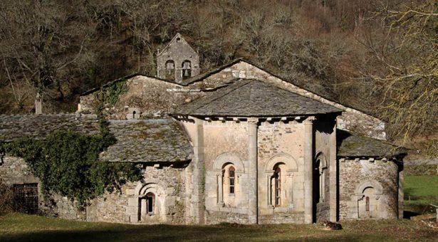REPORTAJE: Un viaje por los monasterios medievales de Lugo y La Coruña