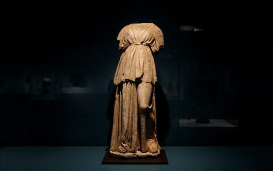 Cerámica Griega Louvre- Colombia- EFE- 11072013