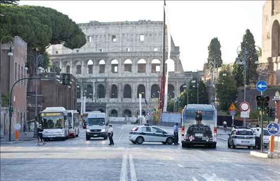 Coliseo Roma- Tráfico Alrededor- EFE- 05082013