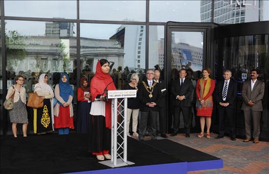 Malala 2- Biblioteca RU- EFE- 04092013