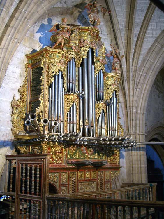 Órgano de la parroquia de San Juan Bautista. Santoyo. Palencia_Aida Acitores