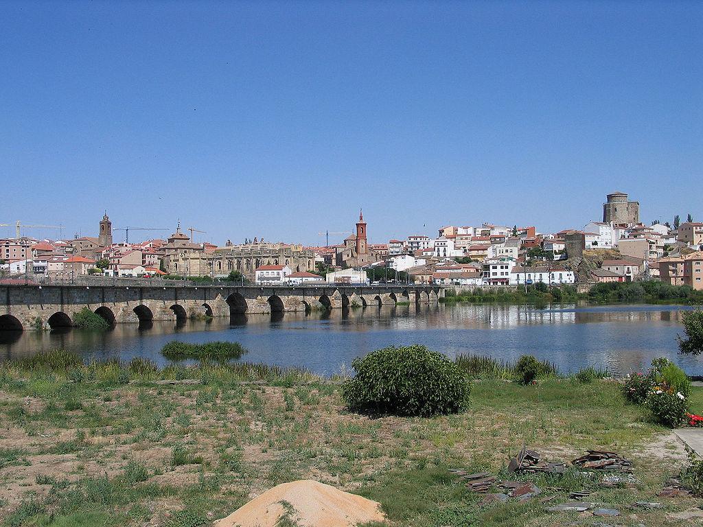 AlbaTormes_Salamanca_Wikipedia