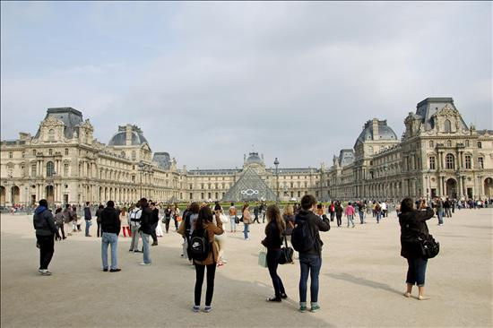 Louvre_EFE