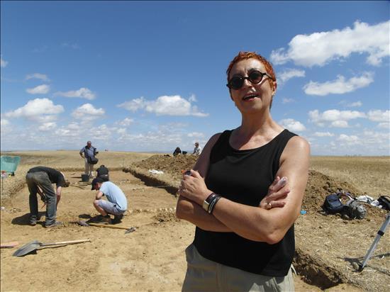 Directora de excavación en Dessobriga