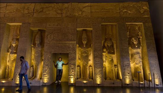 replica del templo de Nefertari