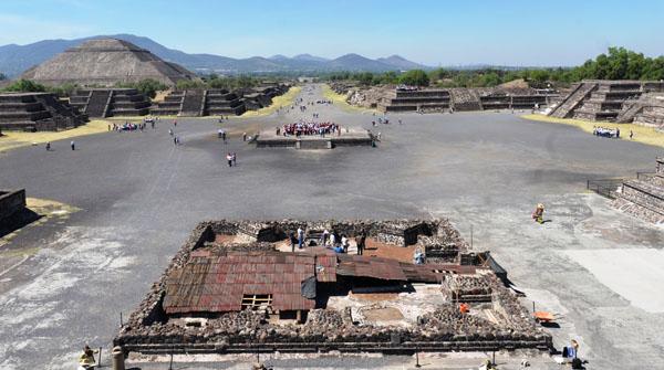 canalpatrimonio-excavacion-plazaLuna-MelitonTapia_INAH