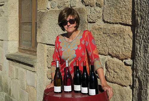 La viticultora Charlotte Allen en su bodega Alma Roja de Fermoselle