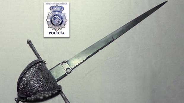 La daga de Cervantes, recuperada por la Policía