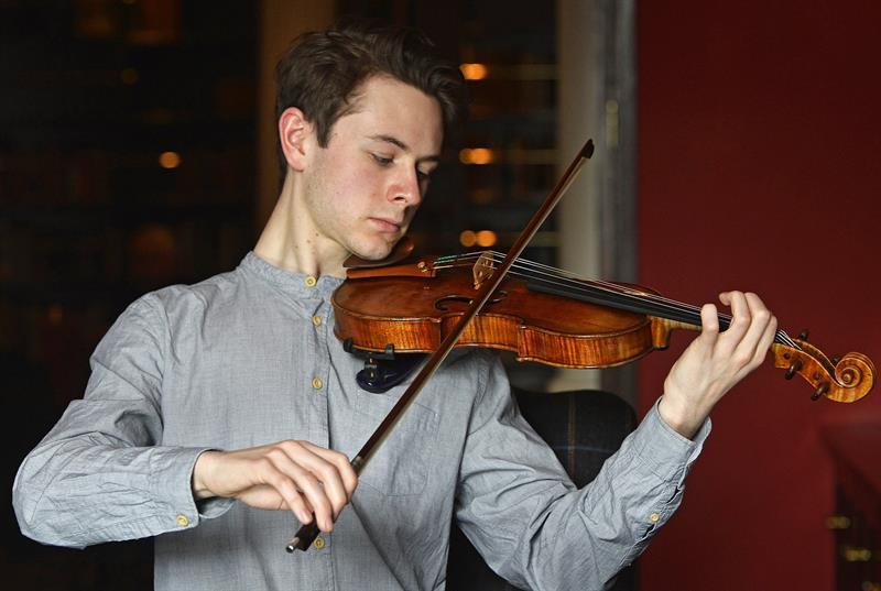 Violín Stradivarius a subasta en Sothesby's.