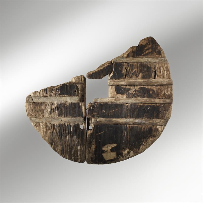 IMAGEN: Un eje de rueda de madera. Museos y Galerías de la Ciudad de Ljubljna.