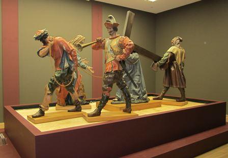 Paso procesional 'Camino del Calvario', en el Museo Nacional de Escultura de Valladolid tras su exposición en Alemania. Revista de Arte.