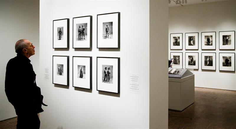 El Metropolitan expone icónicas fotografías de Irving Penn por su centenario
