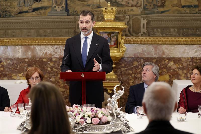 """El Rey ensalza el idioma español como """"patrimonio común""""."""