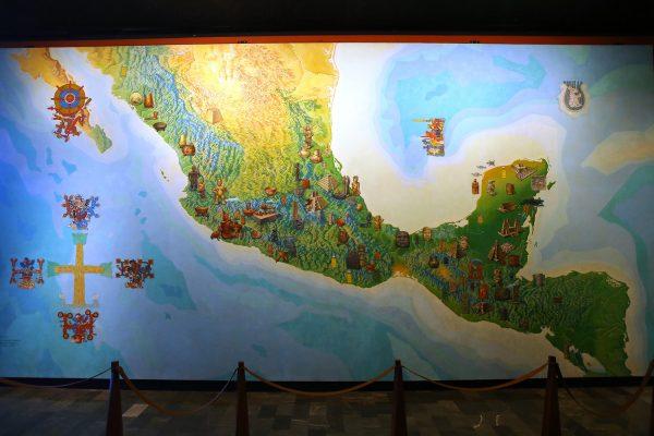 Mural Mapa de Mesoamérica de Vázquez y Covarrubias, sala Teotihuacan, Museo Nacional de Antropología. Foto INAH.