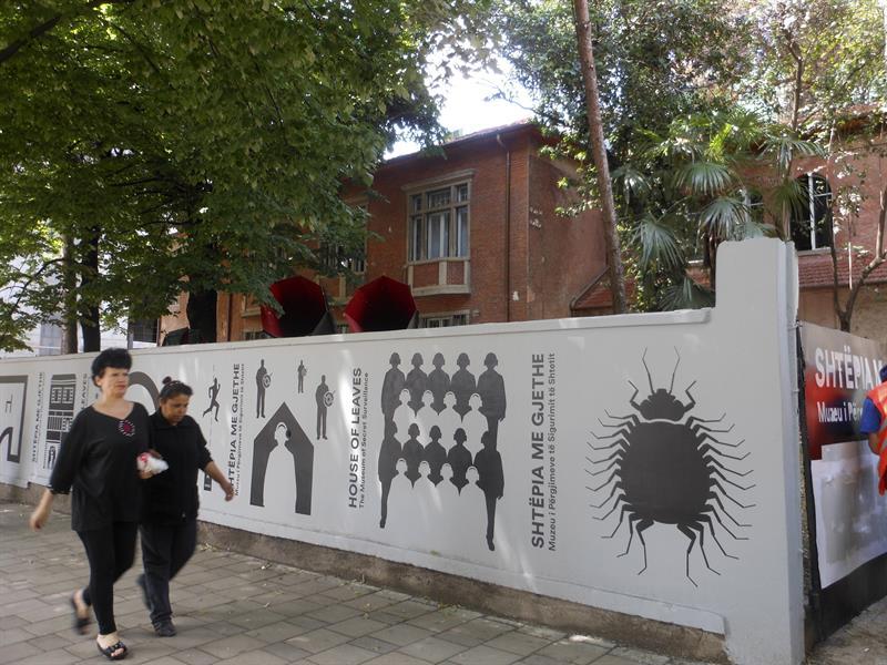 Albania abre un museo dedicado al temible espionaje de la dictadura comunista