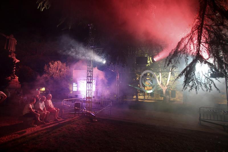 Salamanca brilla con el arte efímero del Festival de Luz y Vanguardias
