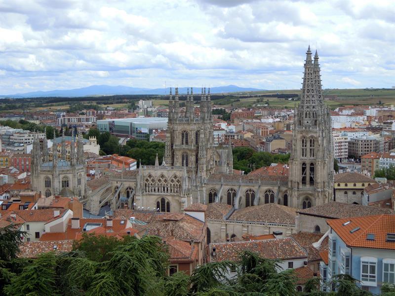 Vista general de la ciudad de Burgos, con la Catedral de Santa María en primer término