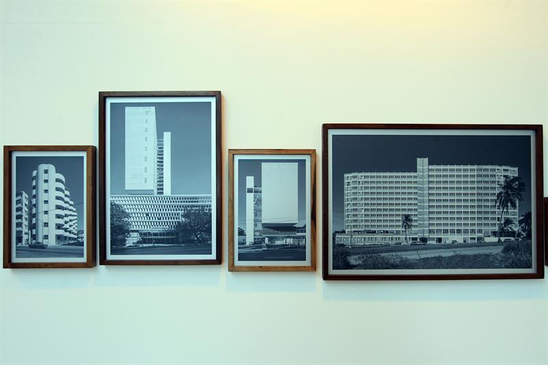 """Registro de varias fotografías de la ciudad de La Habana (Cuba) que hacen parte de la exposición """"Latinitudes"""", del arquitecto y fotógrafo brasileño Leonardo Finotti, en Montevideo (Uruguay)."""