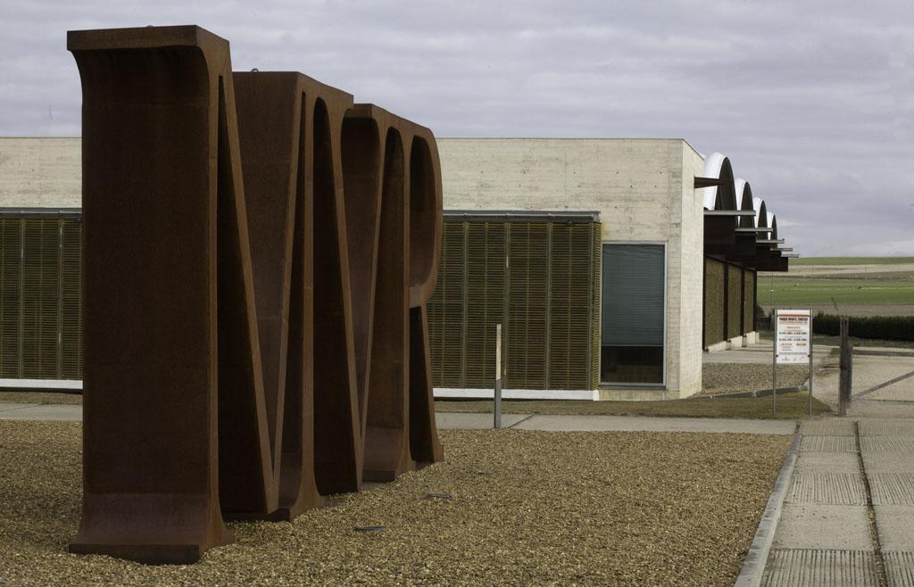 Vista exterior del Museo de las Villas Romanas Almenara-Puras