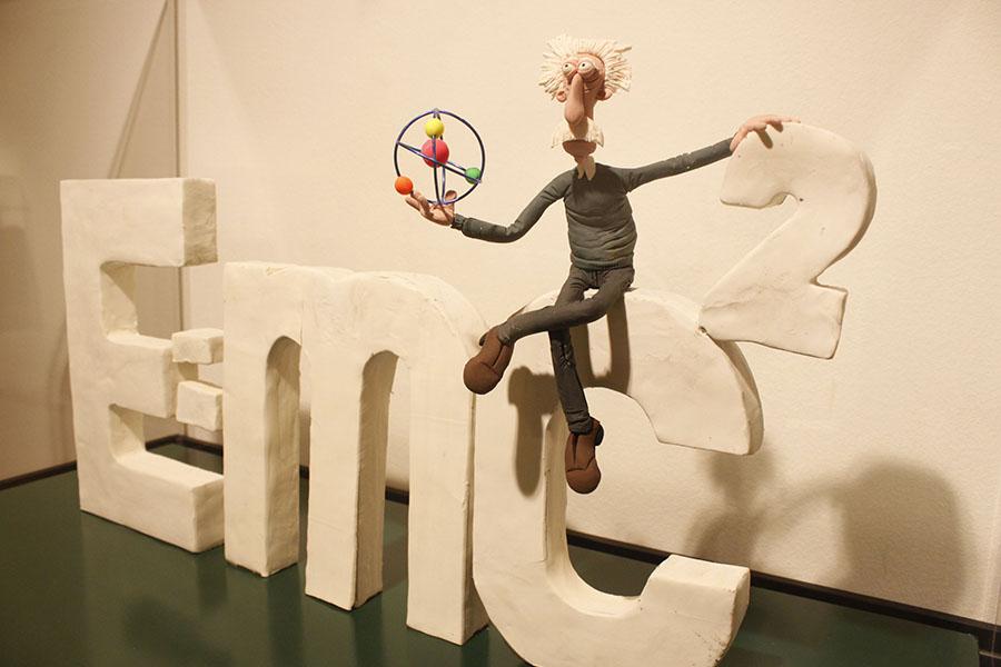EL MUSEO DE LA CIENCIA DE VALLADOLID PRESENTA  LA EXPOSICIÓN TEMPORAL 'PLASTIHISTORIA DE LA CIENCIA. Y MIENTRAS, EN VALLADOLID…'